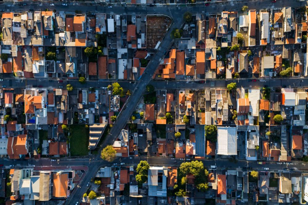 三菱地所、富士通、ソフトバンク、東大が提携。ブロックチェーン活用でより良い街づくりを目指す実験を行う。
